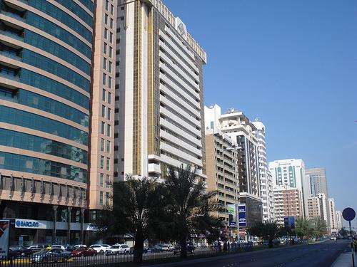 AbuDhabiStreet2